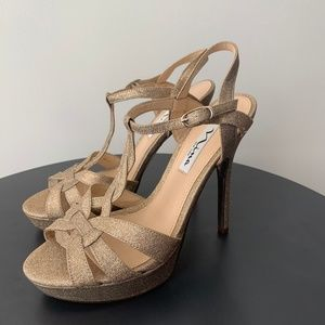 Size 7.5 gold heels